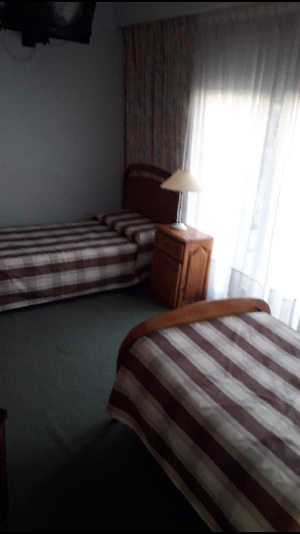chalet alquiler enero y febrero- 4 dormitorios- quincho- jardin