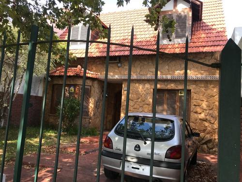 chalet casa banfield lomas zamora monteagudo 1100  2 plantas