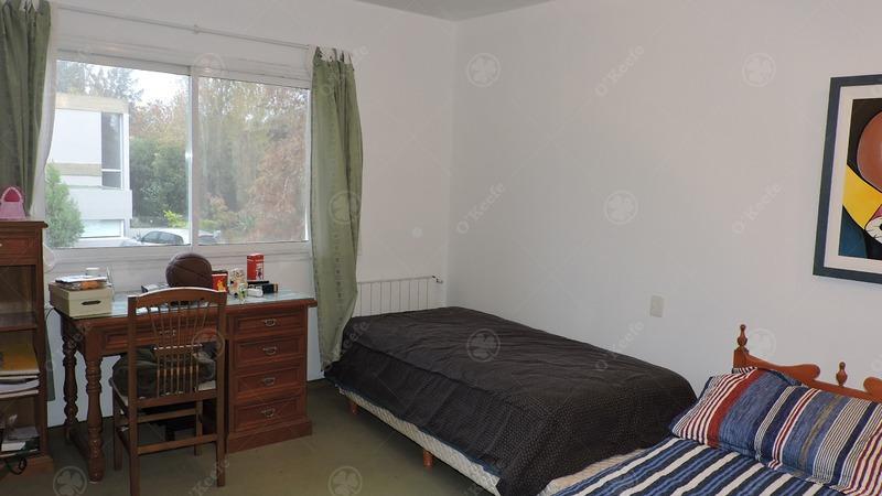 chalet clasico en venta con cuatro dormitorios