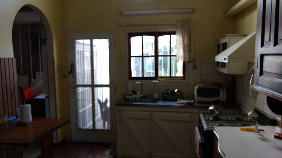 chalet con cinco dormitorios en castelar