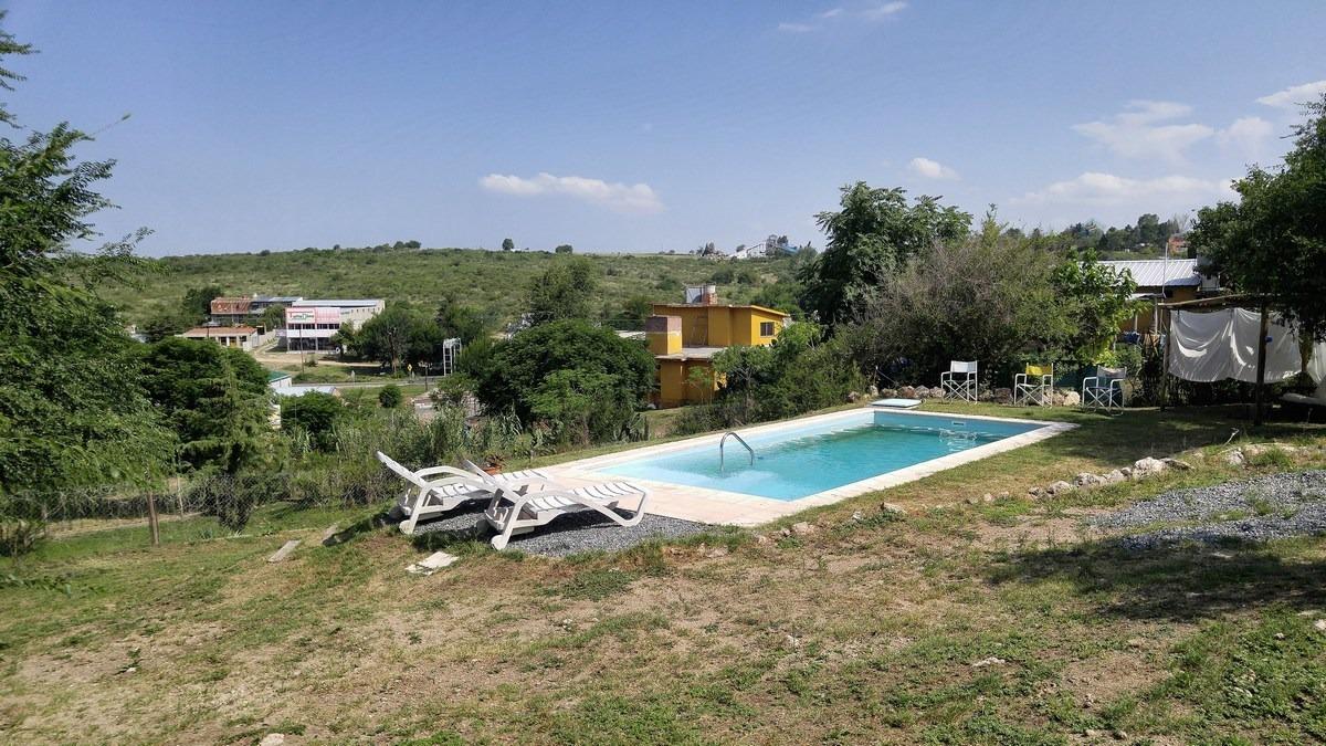 chalet con gran piscina y parque se recibe depto en bsas