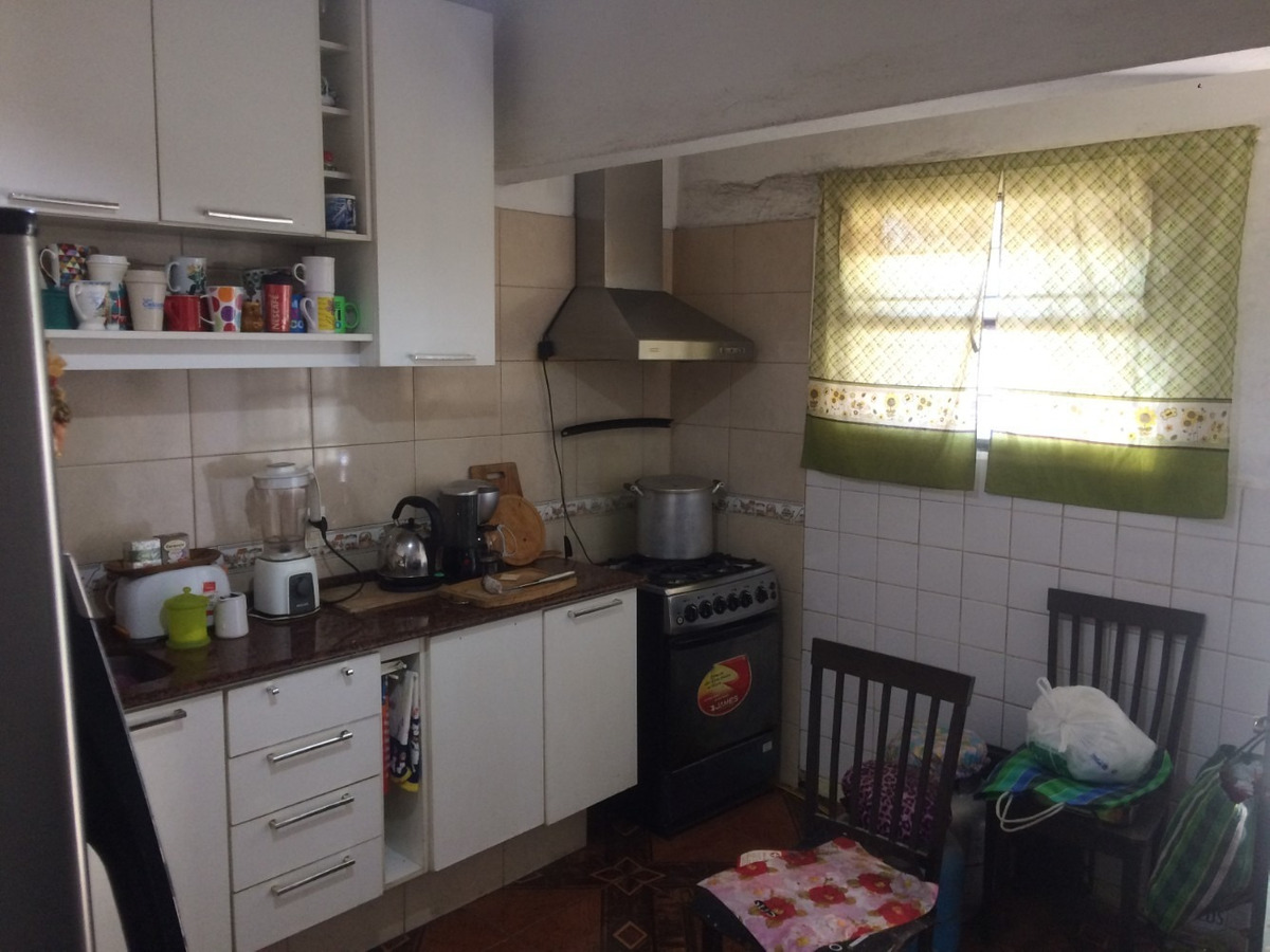chalet de 2 dorm + 2 aptos independiente en gran terreno
