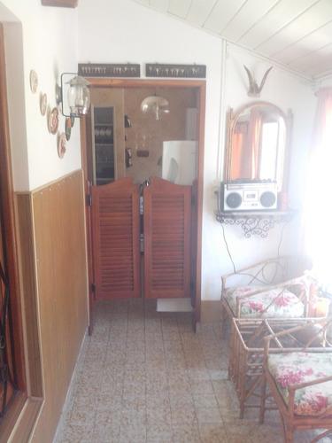 chalet de 3 ambientes 2 baños garage cubierto