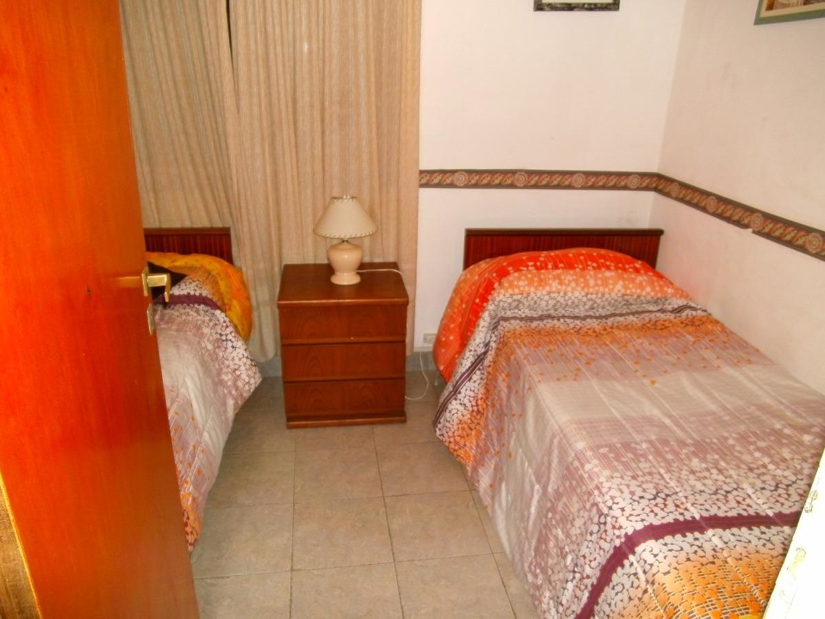 chalet de 3 ambientes, 2 dormitorios muy lindo frente al mar