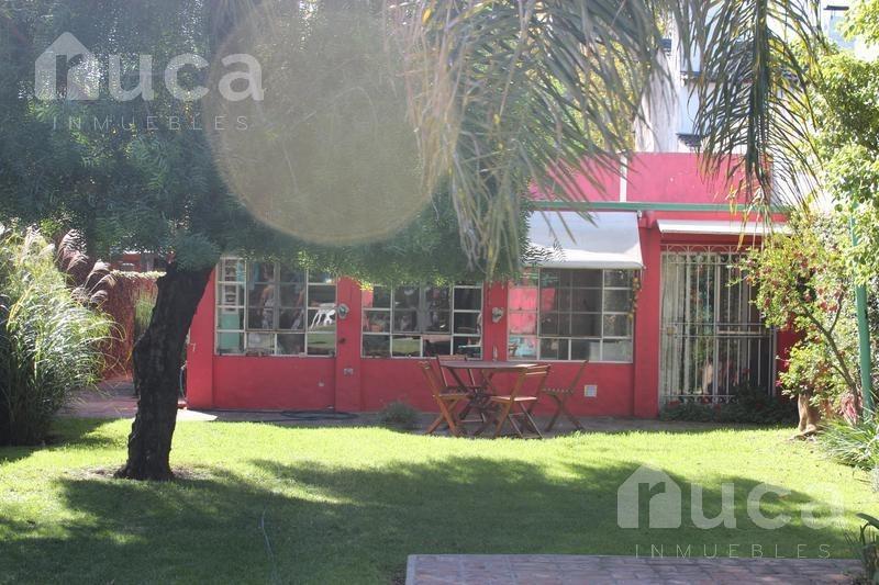 chalet de 3 dormitorios, pileta y quincho con jardín. |jose figueroa alcorta al 300 - boulogne