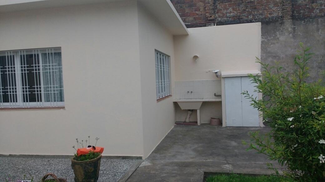 chalet de 4 ambientes con garage y parque