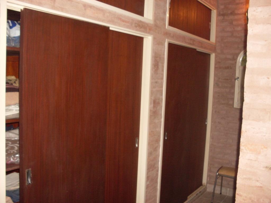 chalet de 4 ambientes con quincho cubierto en remanso