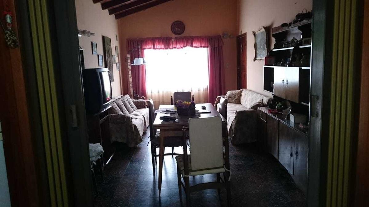 chalet de 4 ambientes - para 7 personas (villa gessel)