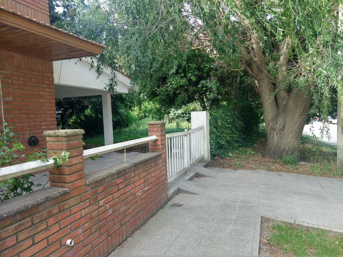 chalet de 5 ambientes en zona parque patricios