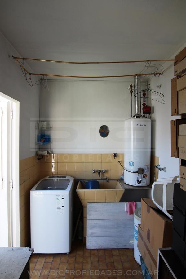 chalet duplex 4 dormitorios en lindisimo barrio de olivos