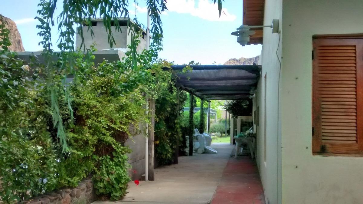 chalet en barrio solar del valle,san rafael,mendoza. cod 765