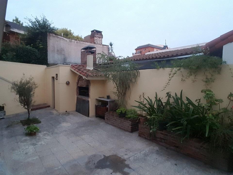 chalet en ciudad jardin de 4 ambientes lote 300m2 tomo menor