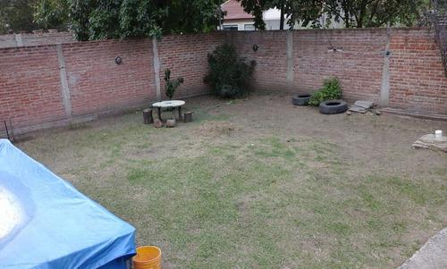 chalet en dos plantas - 4 ambientes - longchamps -
