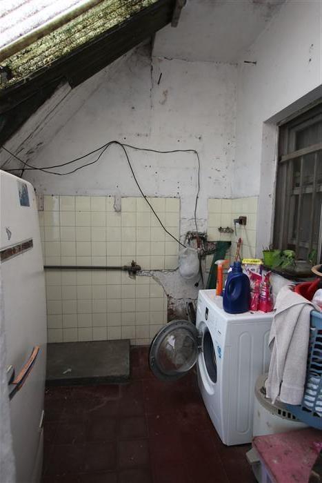 chalet en una planta con departamento de 2/3 ambientes.