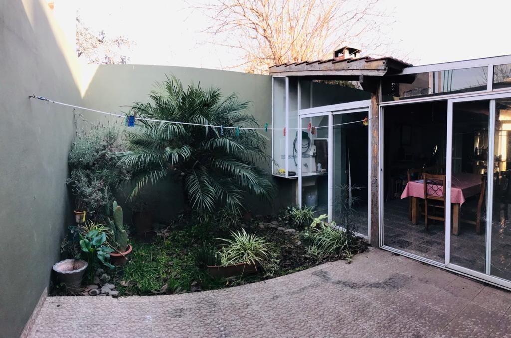 chalet en venta 4 ambientes c/ 2 cocheras quincho c/ parrilla jardin jose c paz