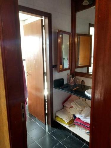 chalet en venta en zárate centro. 5 dormitorios. amplio parque con pileta