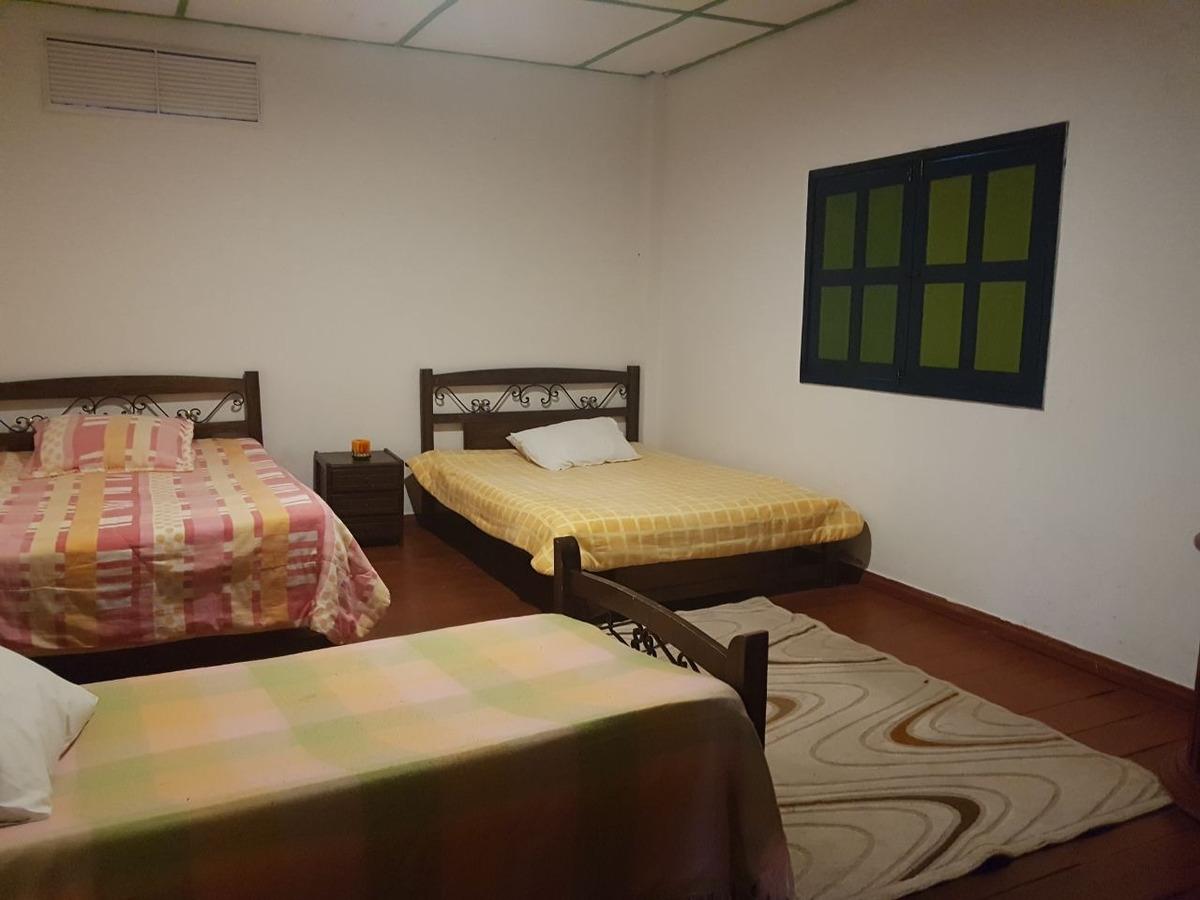 chalet (hotel) para la venta en barcelona q.
