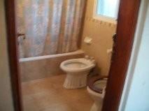 chalette 3 ambientes 2 baños,galería,parque 2000m. seguridad