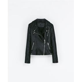 07198b10190 Chamarra Negra Mujer Zara - Chamarras de Mujer en Mercado Libre México