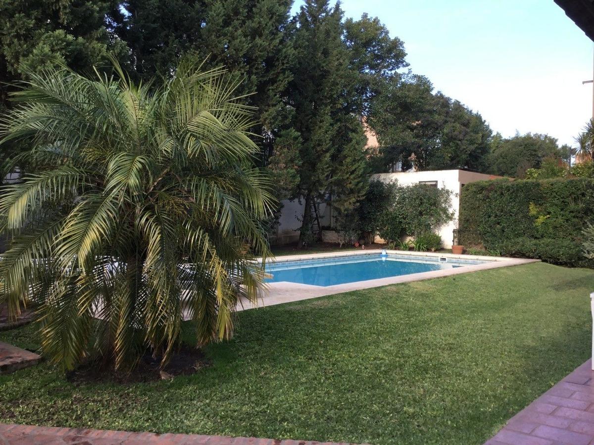 champagnat c. c. 3 dorm gran jardin pileta
