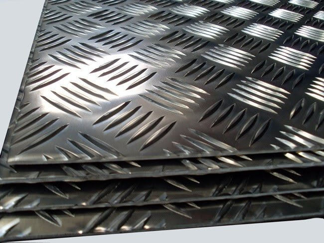 Chapa aluminio lavrada xadrez 1000x500mm na esp de 2 7mm for Chapa antideslizante