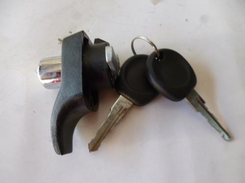 chapa cajuela de vw combi t2 74-89 quinta puerta con llaves