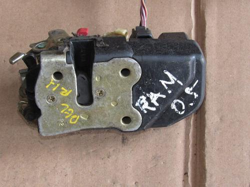chapa de puerta delantera derecha dodge ram 2005