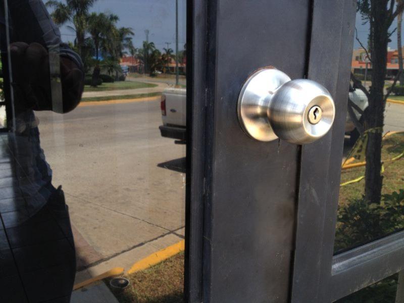 Chapa para puerta muy econ mica barata mazcomer - Puertas muy baratas ...