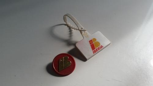 chapa y identificador de maletas de iberia . vintage