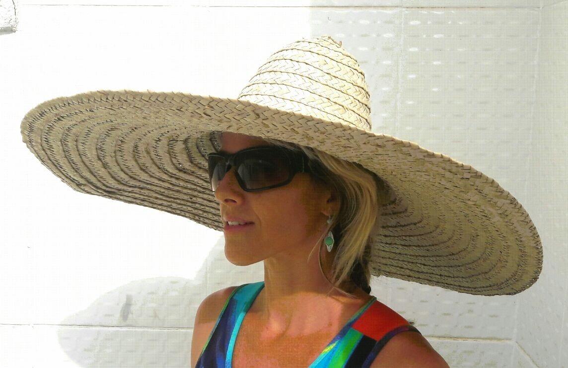 7517213199ef2 chapéu aba grande palha natural p  praia e caminhada. Carregando zoom.