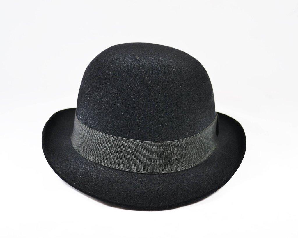 5b5bef0d3d859 Chapéu Coco Chaplin Veludo - Modelo Inglês - R  178