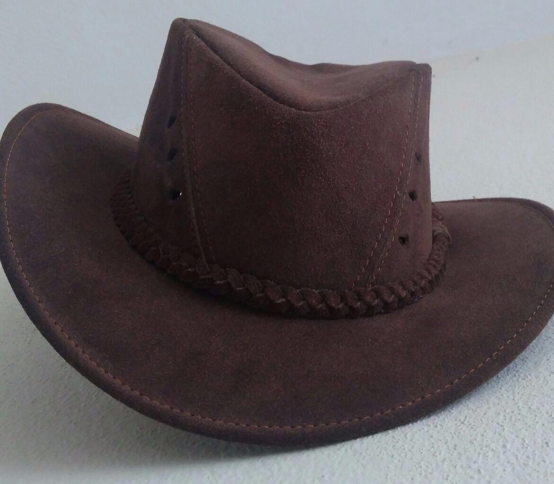 Características. Marca Destaque em Couro  Modelo Country  Gênero Meninos   Tipo de chapéu Chapéus cb76eef66e5