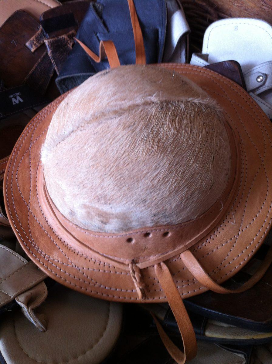 ed427fa395b69 chapéu de couro cangaceiro (couro legítimo). Carregando zoom.