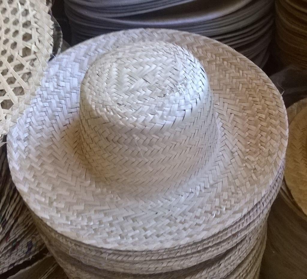 5c674a92548df chapéu de palha de carnaúba 30 unidades. Carregando zoom.