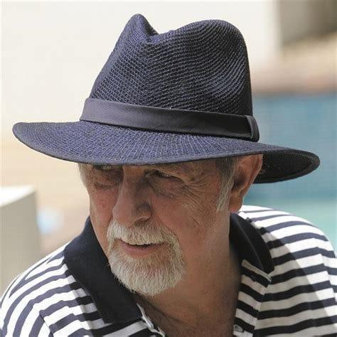 Chapéu Estilo Panamá Preto Tipo Palha Aba Média Masculino - R  59 d574a17b86d
