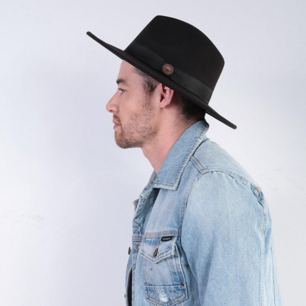 706704bb801a0 chapéu fedora preto masculino aba reta média 7cm. Carregando zoom.