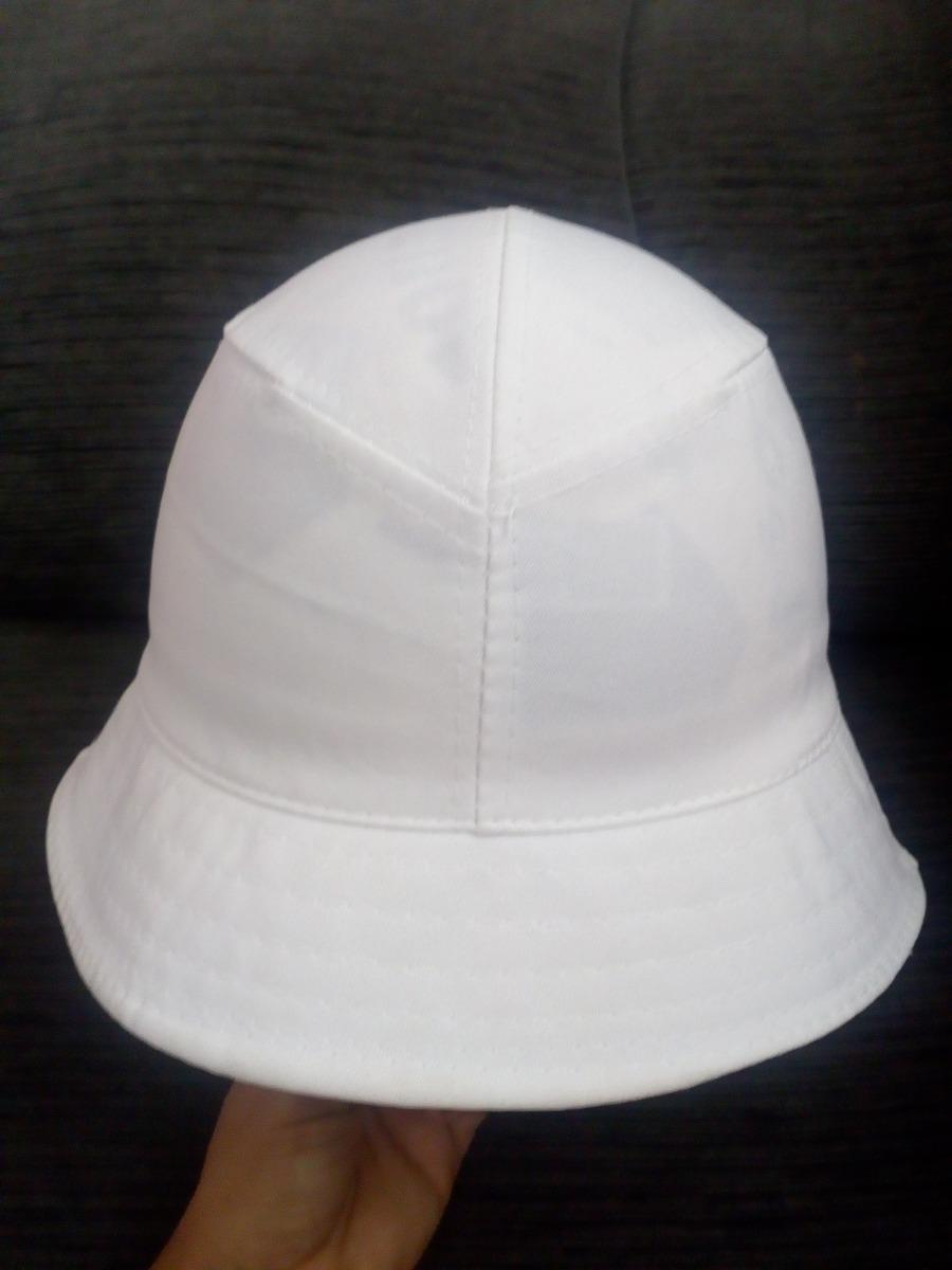 chapéu pescador estilo chorão charlie brown cata ovo branco. Carregando  zoom. 39096a6591d