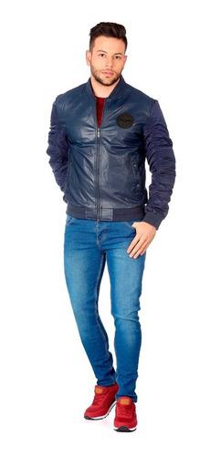 chaqueta azul oscuro quest