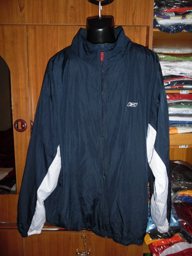 chaqueta con motivo deportivo  (n° interno 155)