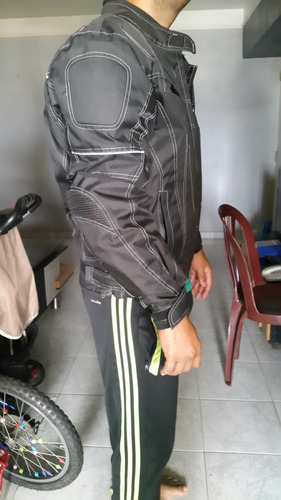 chaqueta con protectores
