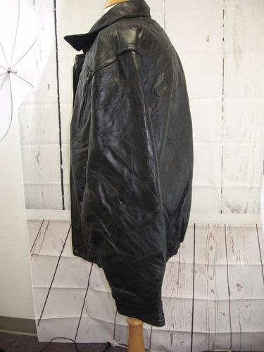 chaqueta de cuero en buen estado vendo por que no me gusto
