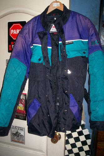 chaqueta de moto forrada con protecciones