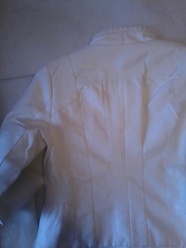 chaqueta ecocuero blanca arrugados entallada  talla m  nueva