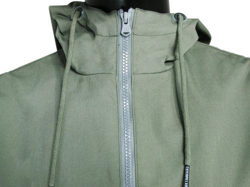 chaqueta impermeable con capucha caterpillar m2310130-l