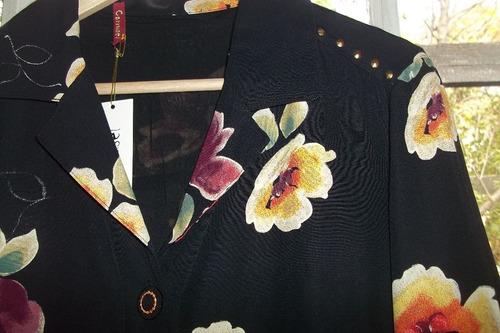 chaqueta negra flores talla m