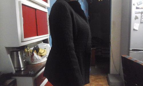 chaqueta negra marca marquis