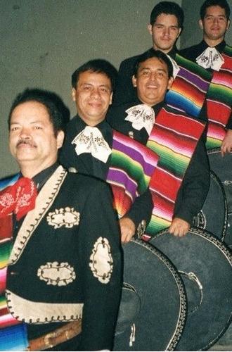 charro santa cruz y mariachi internacional los peregrinos