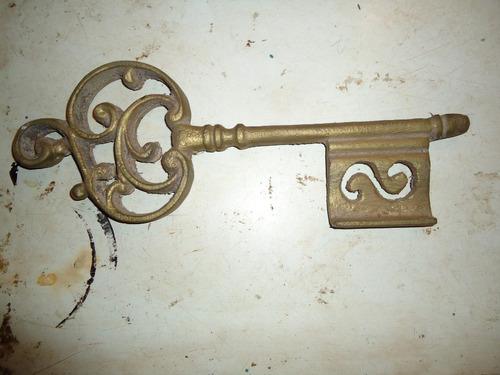 chave de bronze para decoração