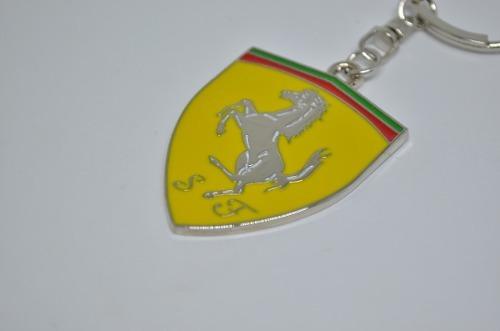 78a06e866a6b6 Chaveiro Ferrari - R  27