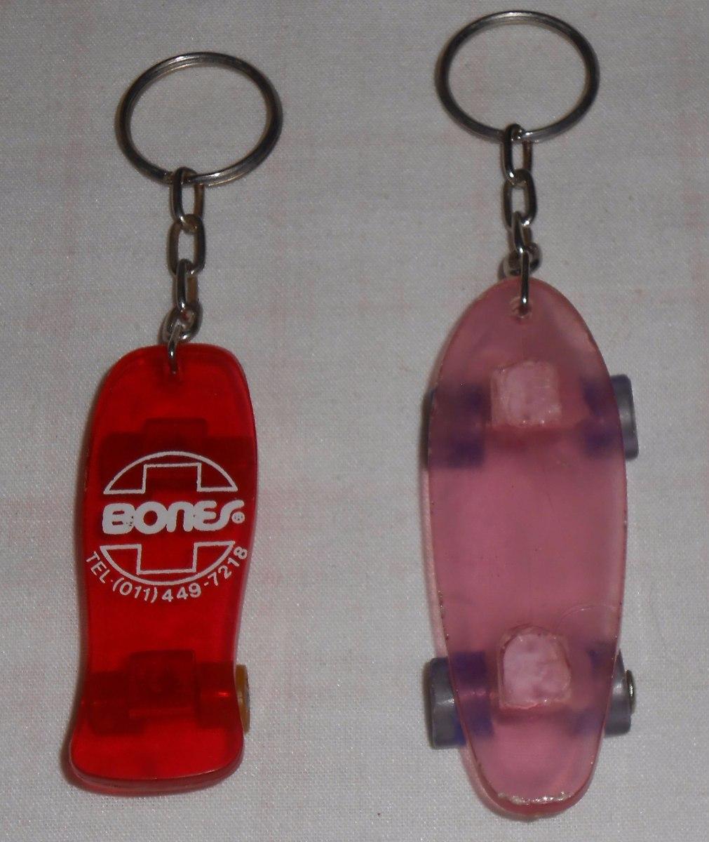 e11f7618a33ab chaveiro lote skate plástico marca suíça de rolamentos bones. Carregando  zoom.